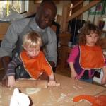 Pizza backen der Sternenkinder mit Kaplan Degbe